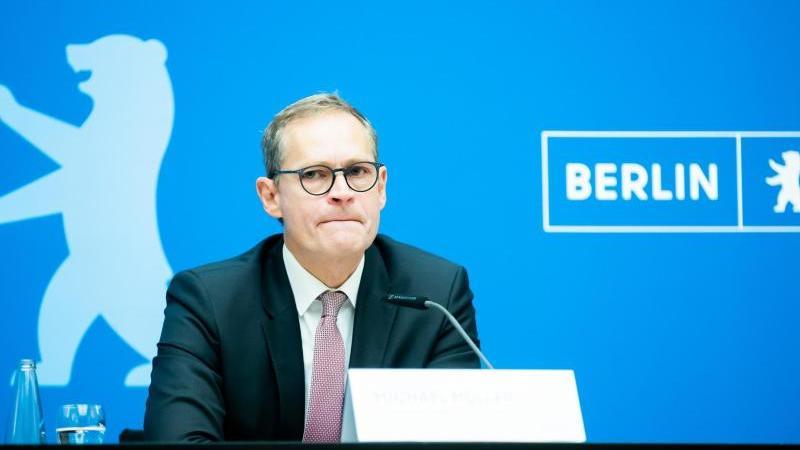 michael-muller-spd-regierender-burgermeister-von-berlin-spricht-foto-christoph-soederdpaarchivbild