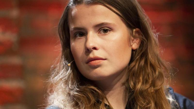 klimaaktivistin-luisa-neubauer-spricht-in-koln-foto-thomas-banneyerdpaarchivbild