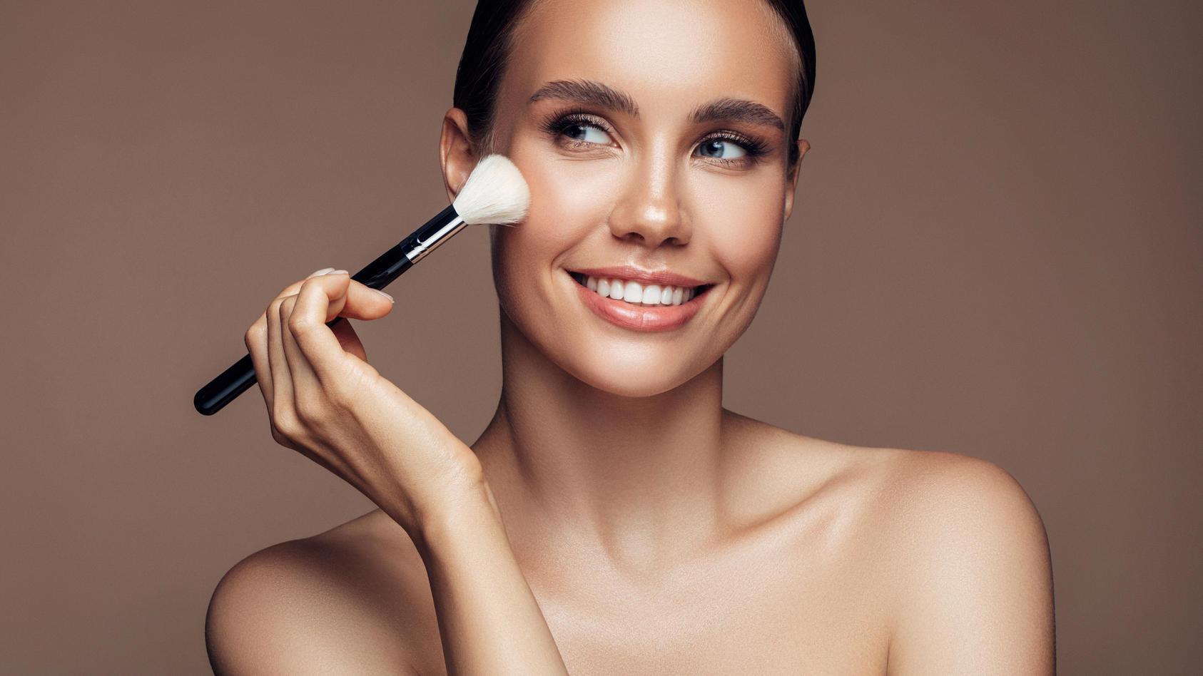 pinpoint-powdering-so-gelingt-das-make-up-garantiert