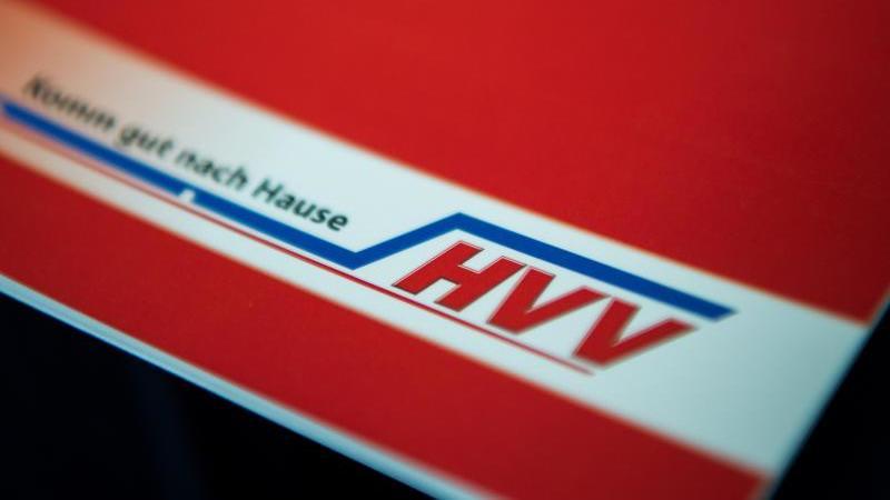 das-logo-vom-hamburger-verkehrsverbund-hvv-foto-picture-alliance-dpasymbolbild