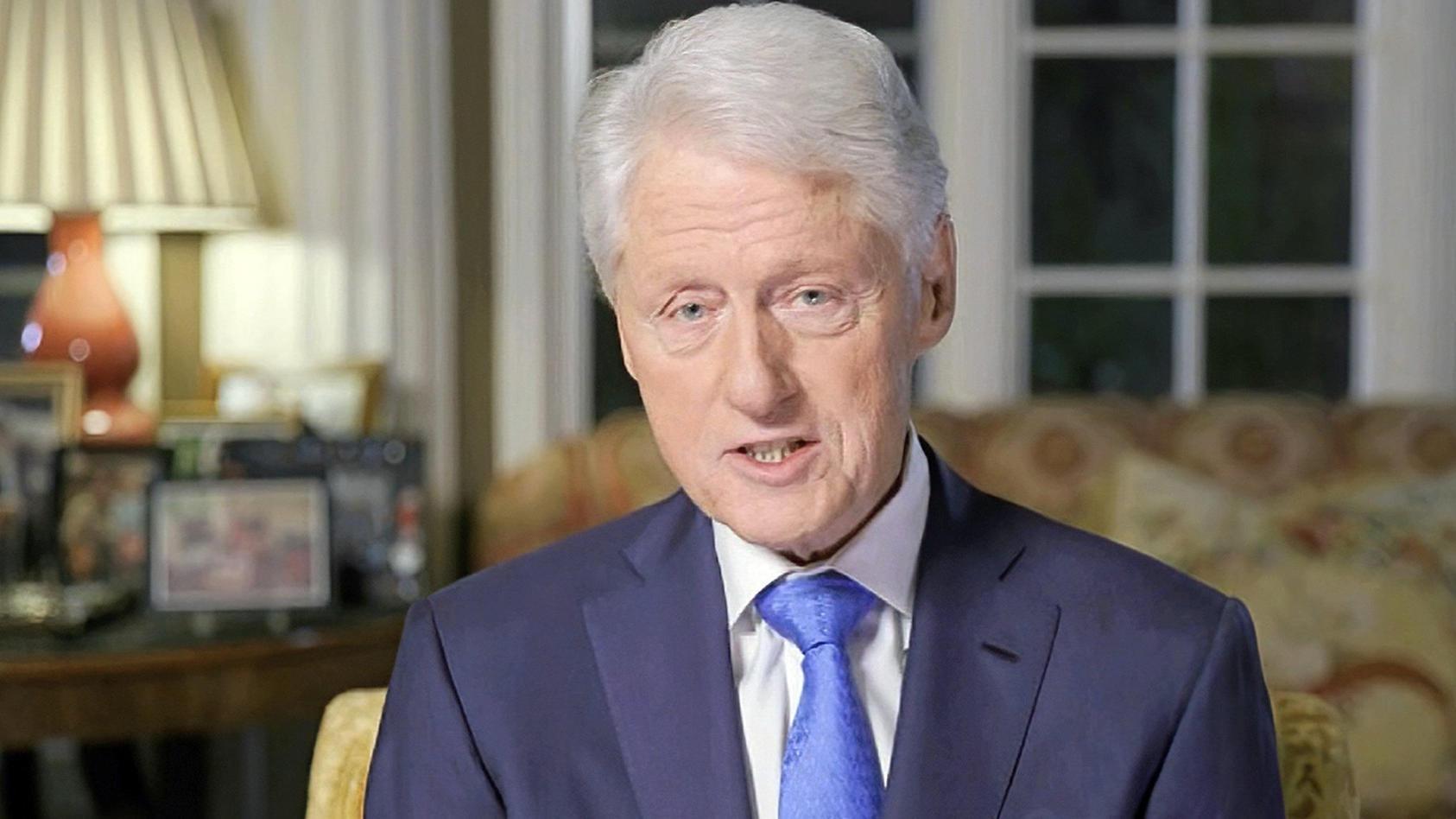 bill-clinton-meldet-sich-nach-seinem-krankenhausaufenthalt-zuruck