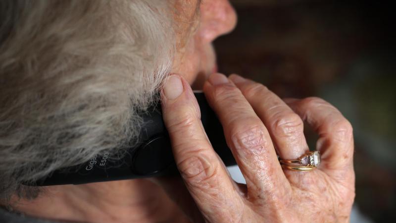 Besonders ältere Menschen sind im Visier der Trickbetrüger.