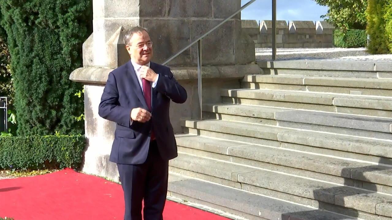 laschet-geht-ministerprasidentenkonferenz-startet