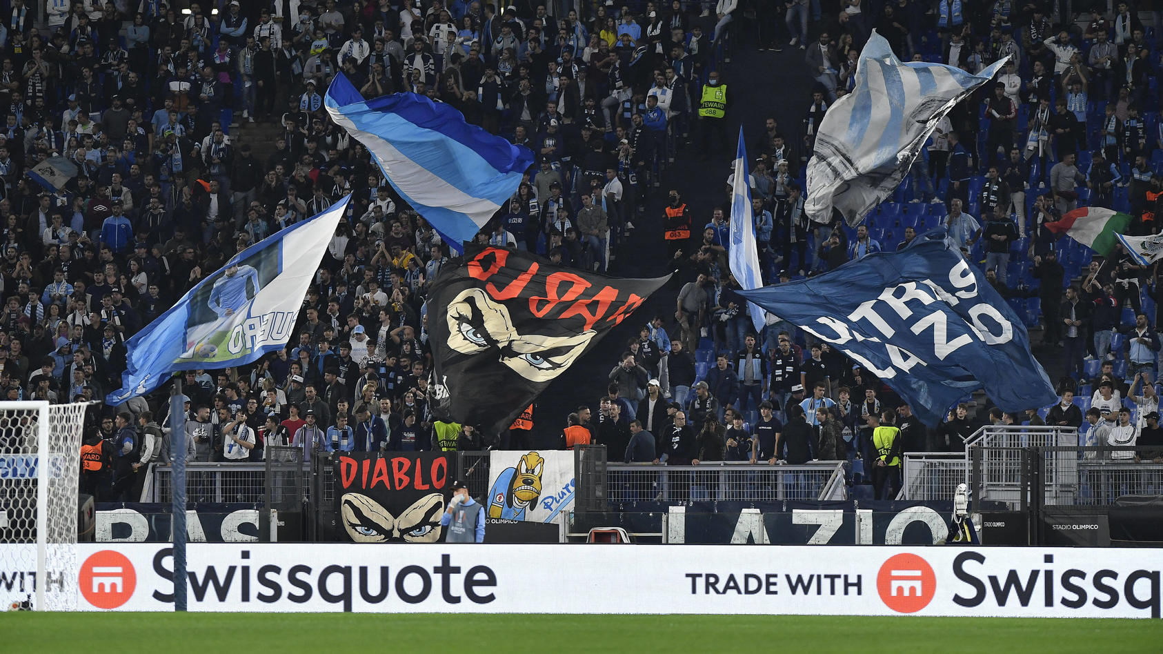 bei-spiel-gegen-marseille-rom-fans-sorgen-fur-rassismus-skandal