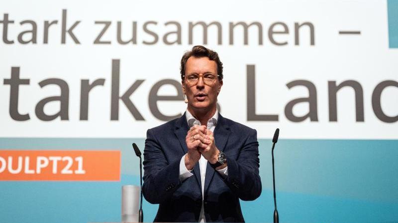 hendrik-wust-spricht-bei-einem-landesparteitag-in-bielefeld-zu-den-delegierten-foto-bernd-thissendpa