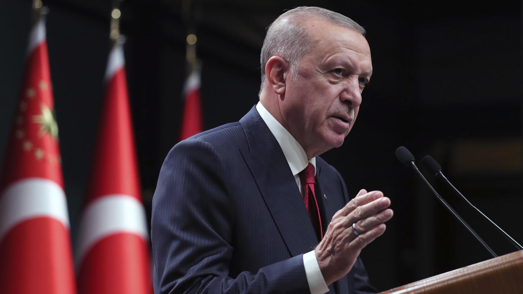 der-turkische-prasident-erdogan-hat-botschafter-mehrerer-staaten-zu-unerwunschten-personen-erklart