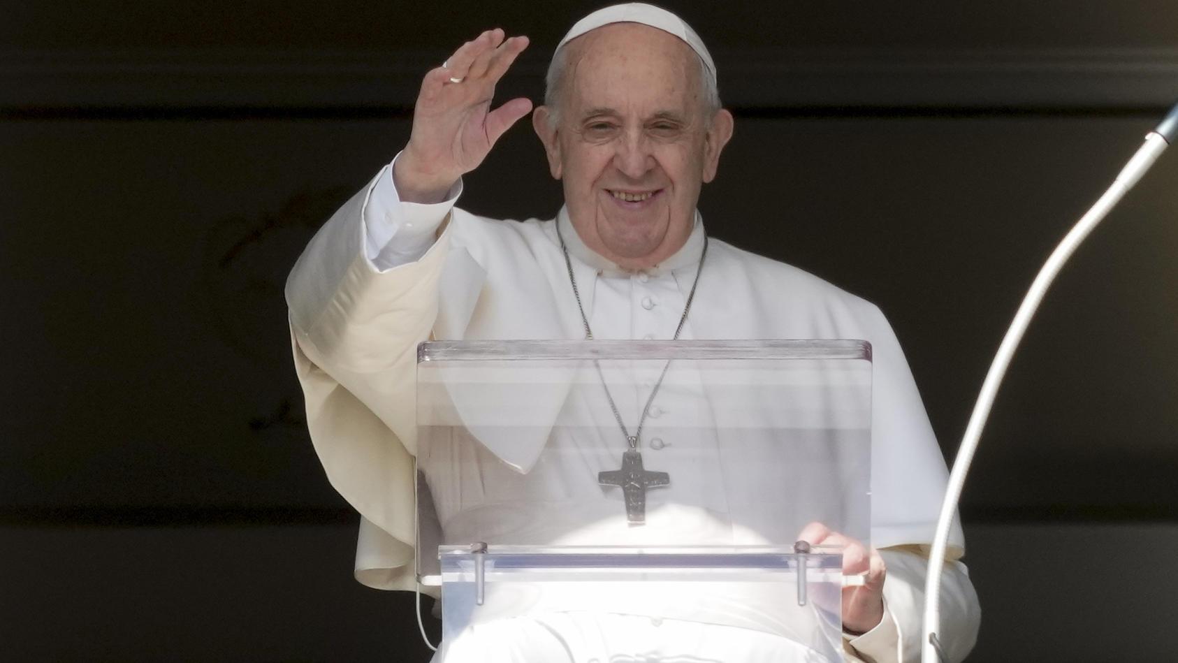 papst-franziskus-spricht-das-angelusgebet