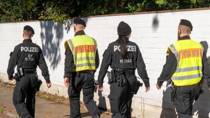 die-munchener-polizei-hat-einen-17-jahrigen-festgenommen-foto-peter-kneffeldpa
