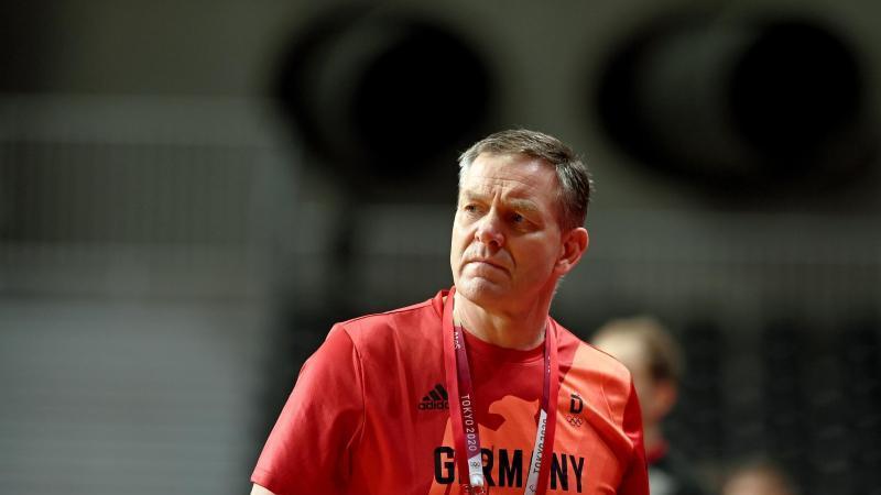 alfred-gislason-ist-der-trainer-der-deutschen-handballer-foto-swen-pfortnerdpa