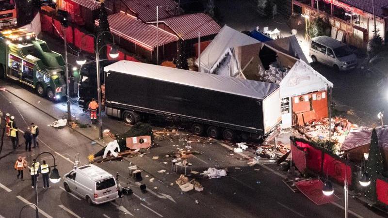 Zahl der Terror-Opfer steigt - Ersthelfer stirbt 5 Jahre nach Anschlag am Breitscheidplatz
