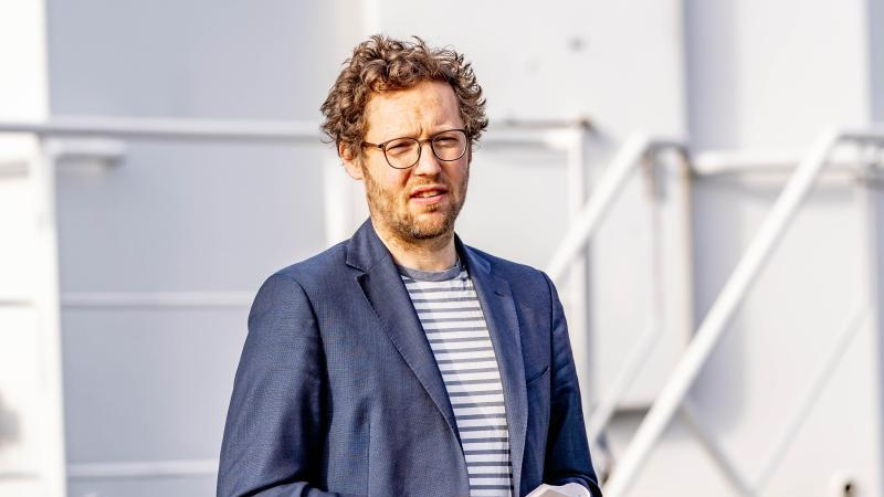 schleswig-holsteins-umweltminister-jan-philipp-albrecht-grune-kandidiert-fur-vorstand-der-heinrich-boll-stiftung-foto-axel-heimkendpa