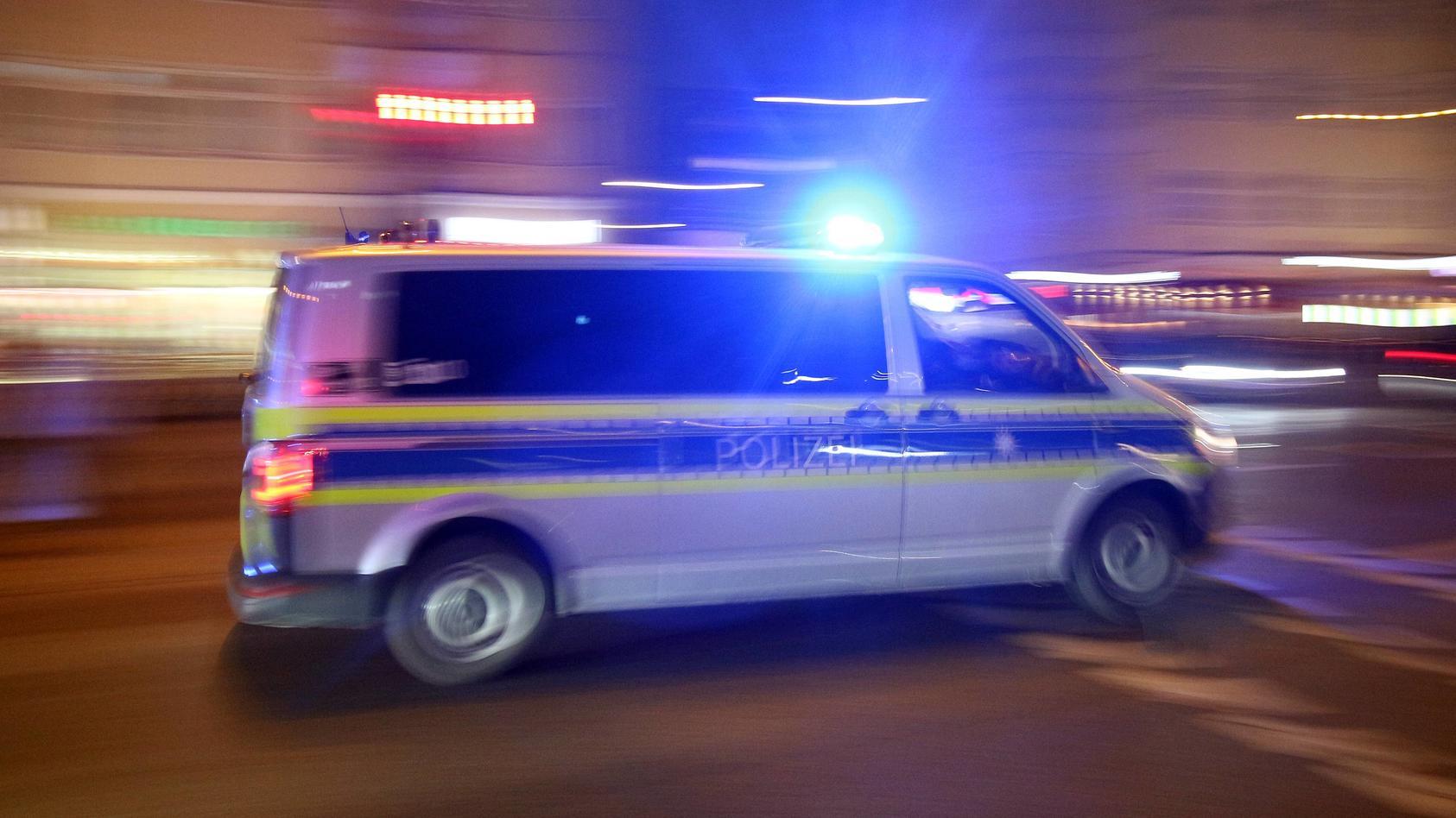 polizei-verfolgt-fluchtigen-fahrer-durch-die-straen-kiels-symbolbild