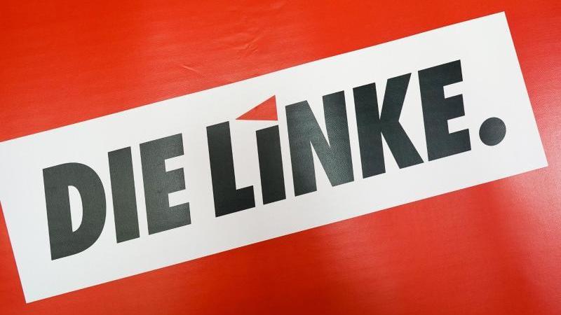 das-logo-der-partei-die-linke-steht-auf-rotem-grund-foto-peter-endigzbdpasymbolbild