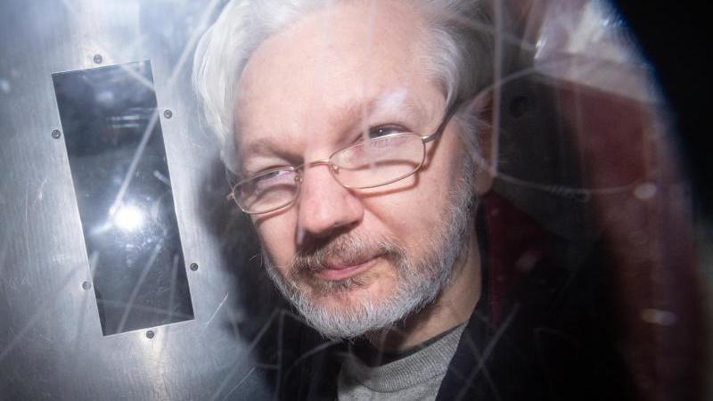 julian-assange-verlasst-ein-gericht-in-london-nach-neuen-enthullungen-geht-der-rechtsstreit-um-eine-mogliche-auslieferung-des-wikileaks-grunders-in-die-usa-in-eine-neue-runde-foto-dominic-lipinskipa-wiredpa