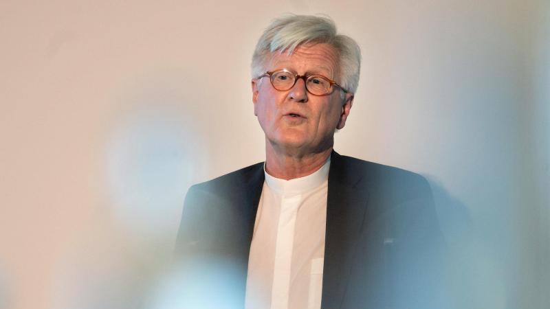 heinrich-bedford-strohm-landesbischof-der-evangelisch-lutherischen-kirche-spricht-foto-sebastian-gollnowdpa