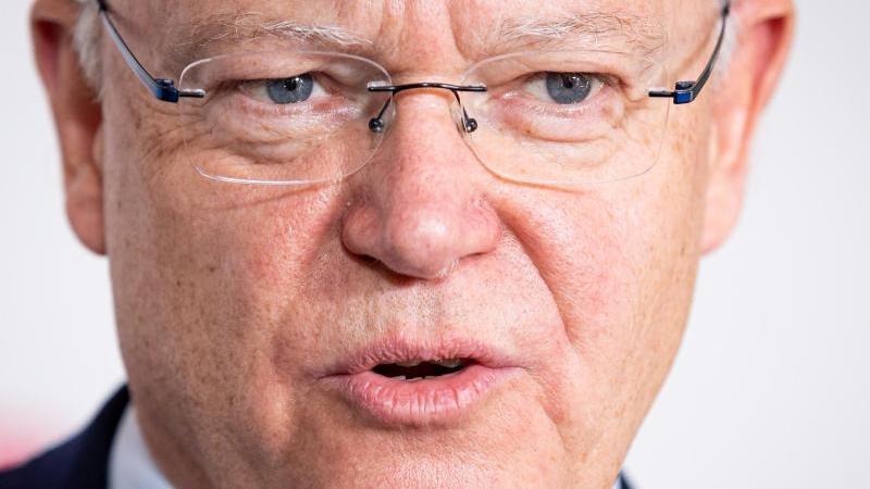 stephan-weil-spd-ministerprasident-von-niedersachsen-spricht-foto-moritz-frankenbergdpa
