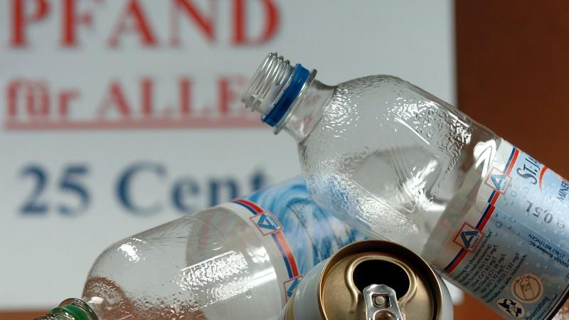 Getränkeflaschen und Getränkedosen werden ab dem Jahr 2022 einheitlicher mit Pfand belegt
