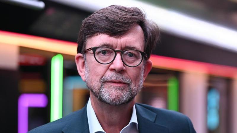 jorg-sandvo-vorstandsvorsitzender-der-db-regio-foto-arne-dedertdpaarchivbild