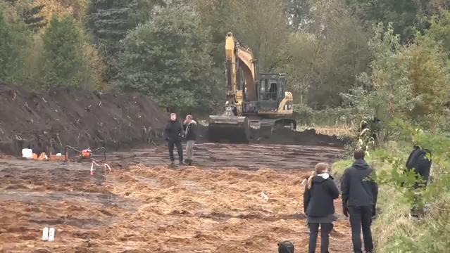 Rätsel-Einsatz bei Bremen - Polizei sucht nach Leiche auf Acker