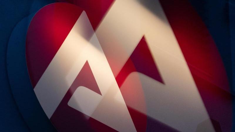 das-logo-der-agentur-fur-arbeit-foto-sebastian-gollnowdpasymbolbild