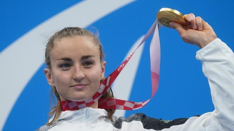 elena-krawzow-deutschland-jubelt-uber-ihre-goldmedaille-foto-marcus-brandtdpaarchivbild