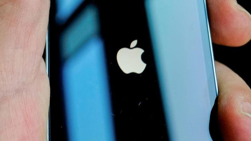 chip-engpasse-haben-apple-milliarden-gekostet-foto-stefan-jaitnerdpa