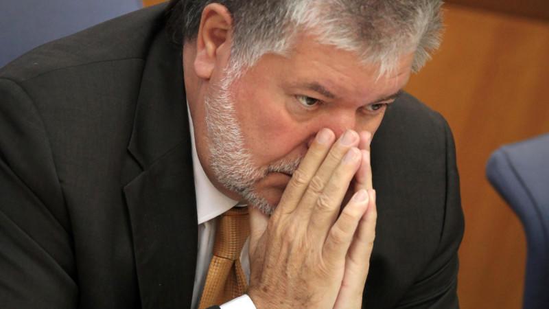 Ministerpräsident Kurt Beck (SPD) gerät durch die EU-Kommission in Bedrängnis.