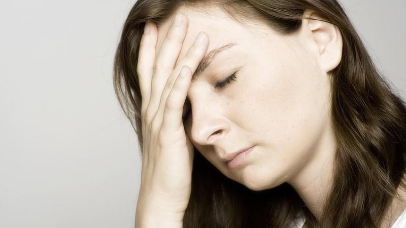 Schlafstörungen, Magenprobleme: Die ständige Erreichbarkeit macht vielen Menschen zu schaffen.