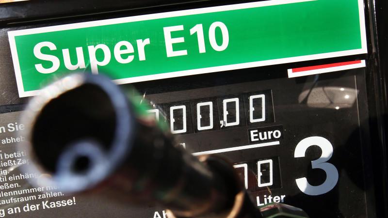 Erst 2011 wurde E10 an deutschen Tankstellen eingeführt - verschwindet er bald wieder?