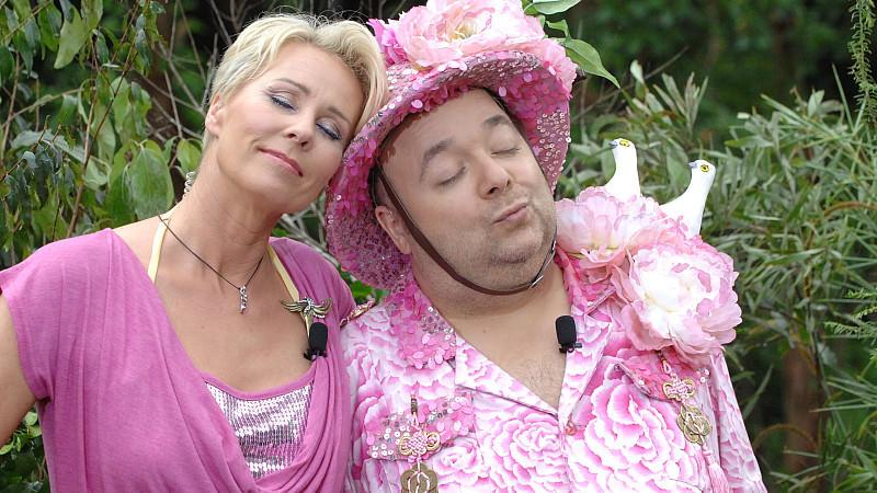 Sonja Zietlow nimmt Abschied von Dirk Bach.