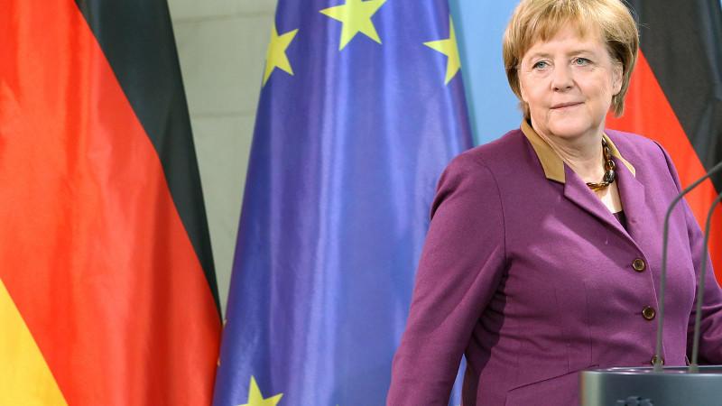 """Bundeskanzlerin Angela Merkel (CDU) hat die Verleihung des Friedensnobelpreises an die Europäische Union als """"wunderbare Entscheidung"""" begrüßt."""