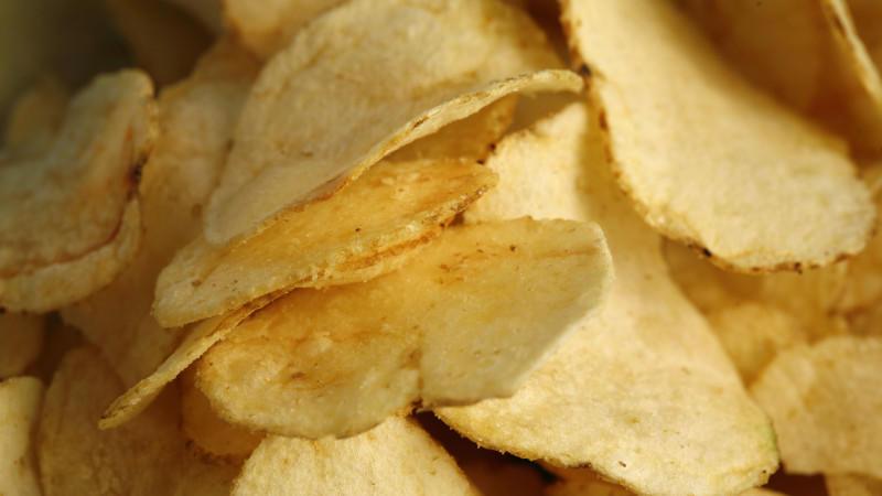 In Bielefeld ist ein Streit über eine Tüte Chips in eine Massenschlägerei ausgeartet.