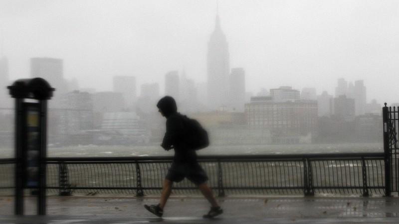 Hurrikan 'Sandy' hat bereits vor seinem Aufprall auf die US-Ostküste Überflutungen und massive Schäden ausgelöst.