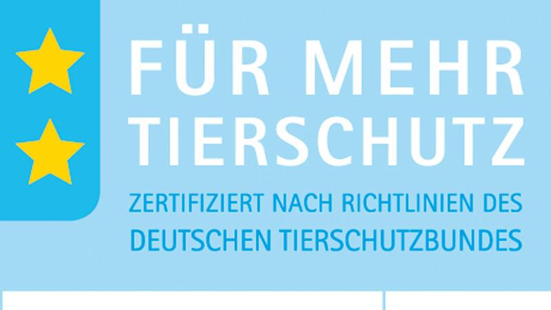 Ab Anfang 2013 wird Schweine- und Hühnerfleisch in Deutschland mit einem neuen blauen Tierschutz-Label gekennzeichnet, dass eine artgerechte Haltung garantiert.