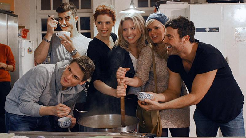 Sechs Soap-Stars kochen für Kölner Obdachlose