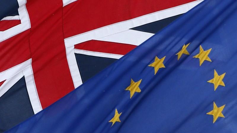 Die britische Flagge und die der europäischen Union: Wird man sie schon bald seltener nebeneinander sehen?