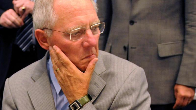 Finanzminister Schäuble tut sich schwer beim Sparen - müsste er nicht, meint der Bundesrechnungshof.