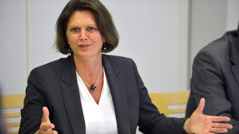 Bundesverbraucherministerin Ilse Aigner will auch Unternehmen zur besseren Kontrolle zur Kasse bitten.