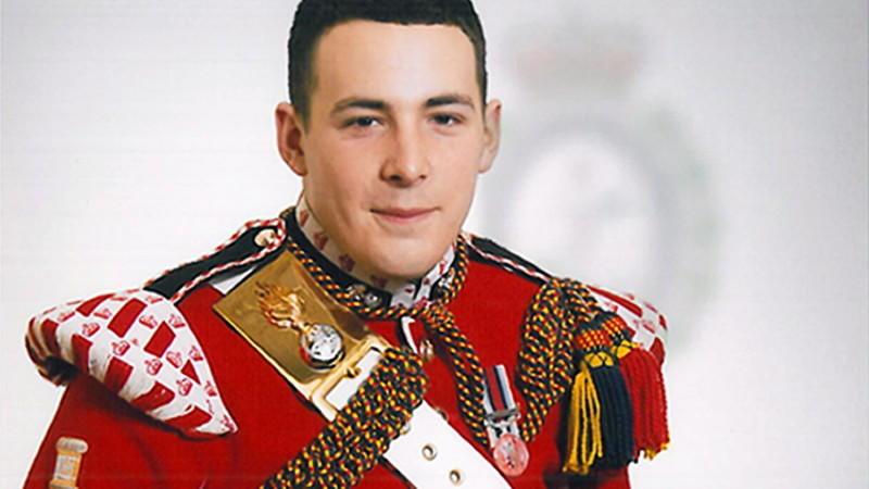 Soldat zerstückelt London