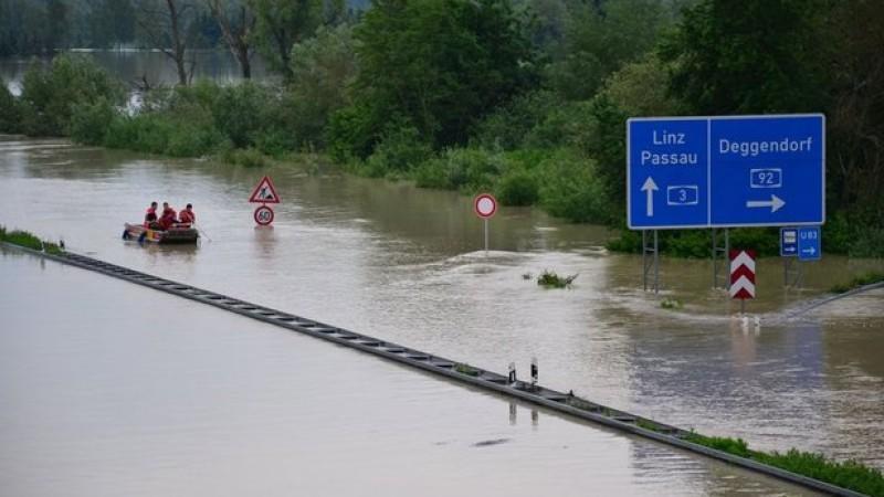 Degendorf abgeschnitten von der Außenwelt wegen Jahrhundertflut