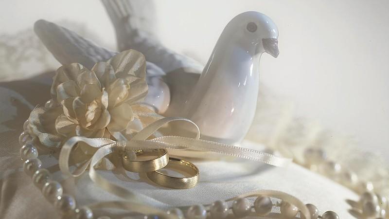 Am 30. Hochzeitstag feiert man mit Perlen