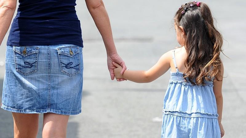 Single-Mütter häufig auf Sozialhilfe angewiesen