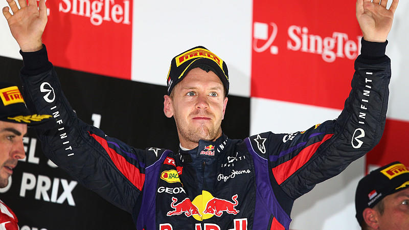 Sebastian Vettel kletterte aufs Podium - und erntete ein gellendes Pfeifkonzert