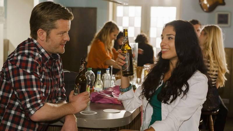 Ingo ist überrascht, als plötzlich die schöne Raquel vor ihm steht und behauptet, seine Ehefrau zu sein
