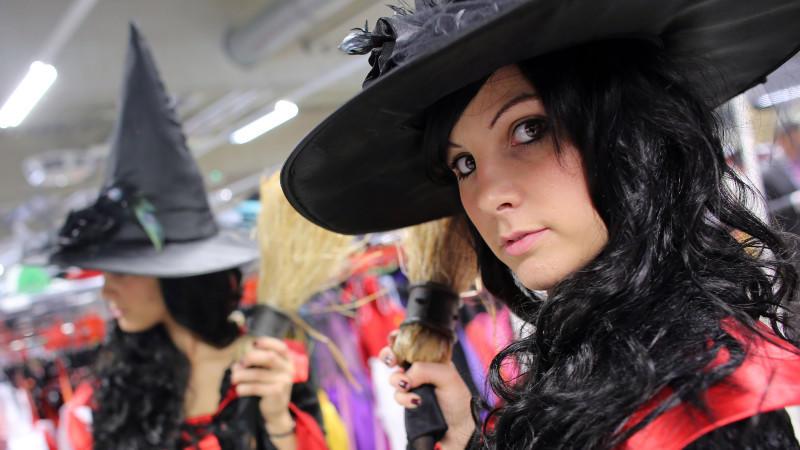 """Halloween-Kostüme """"für fette Mädchen"""" - peinlich!"""