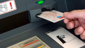Organisieren Sie für den Notfall eine Bankvollmacht auf das Konto Ihrer Eltern.