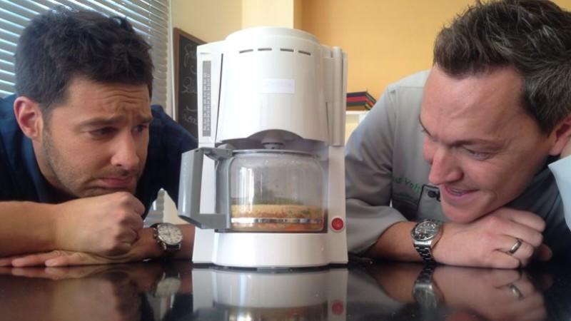 So kochen Sie Ihr Essen mit der Kaffeemaschine!