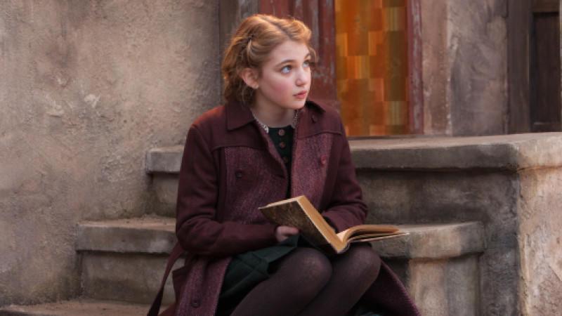 Die Liebe zu Büchern ermöglicht es Liesel, vor der Realität zu fliehen.