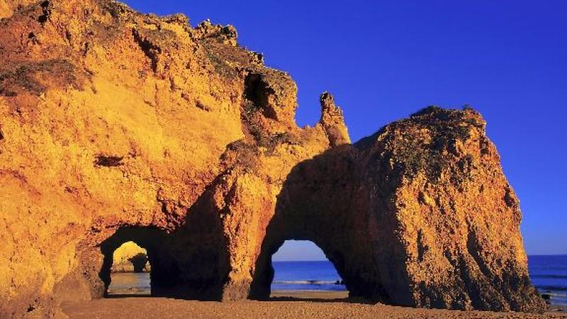 In Portugal an der Algarve ist der Robinson-Club, in dem man Zimmer mit Büros buchen kann