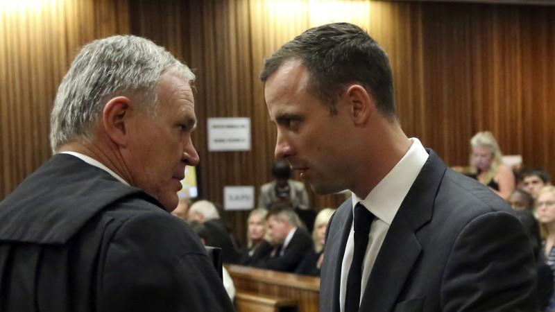 In Pretoria hat der Mordprozess gegen Paralympics-Star Oscar Pistorius begonnen.